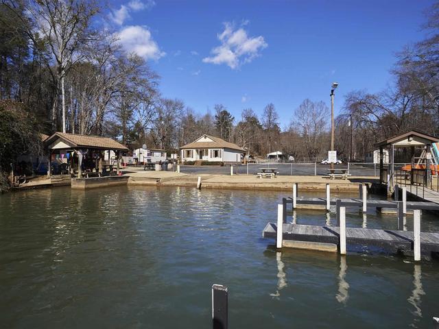 Photo of 605 Motor Boat Club Road