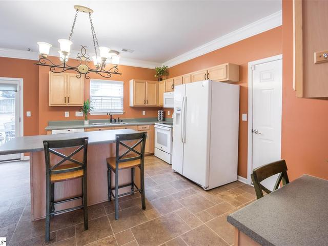 Photo of 19 Bellows Falls Drive