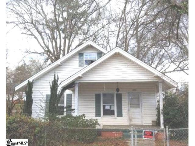 Greater Greenville SC Area Real Estate - Simpsonville SC -  2 Bedroom Home  for sale  in Woodside Mill subdivision  www.therealestateshoppeonline.com