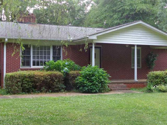 Greater Greenville SC Area Real Estate - Liberty SC -  3 Bedroom Home  for sale  www.therealestateshoppeonline.com