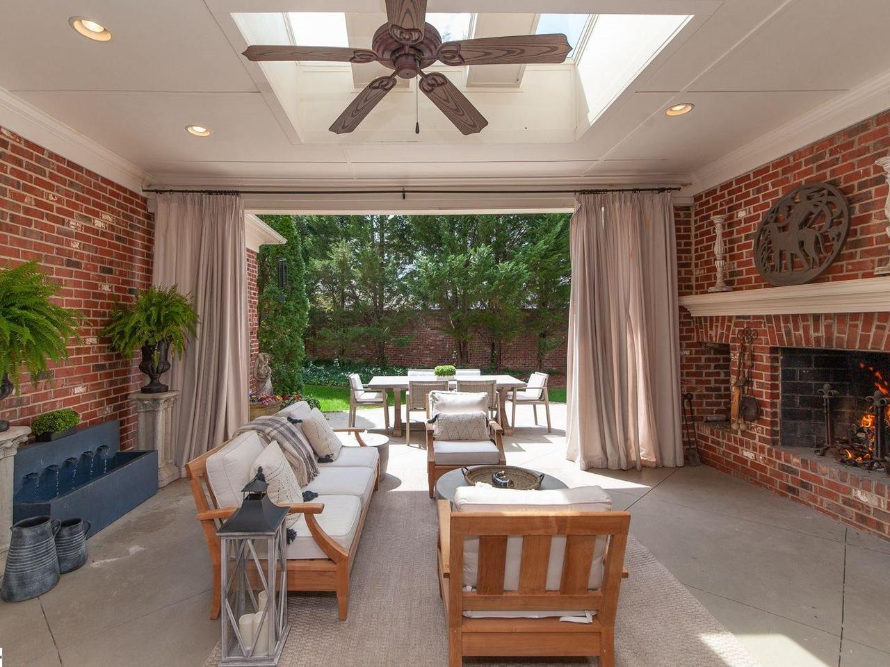 Photo of 112 Longview Terrace