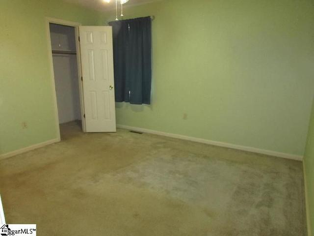 Photo of 305 Lakeview Drive