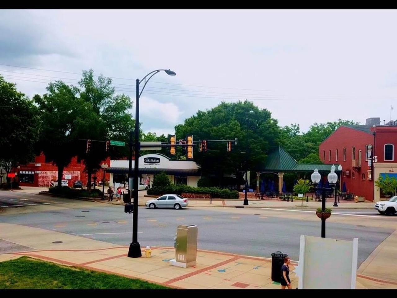 Photo of 702 S Main Street