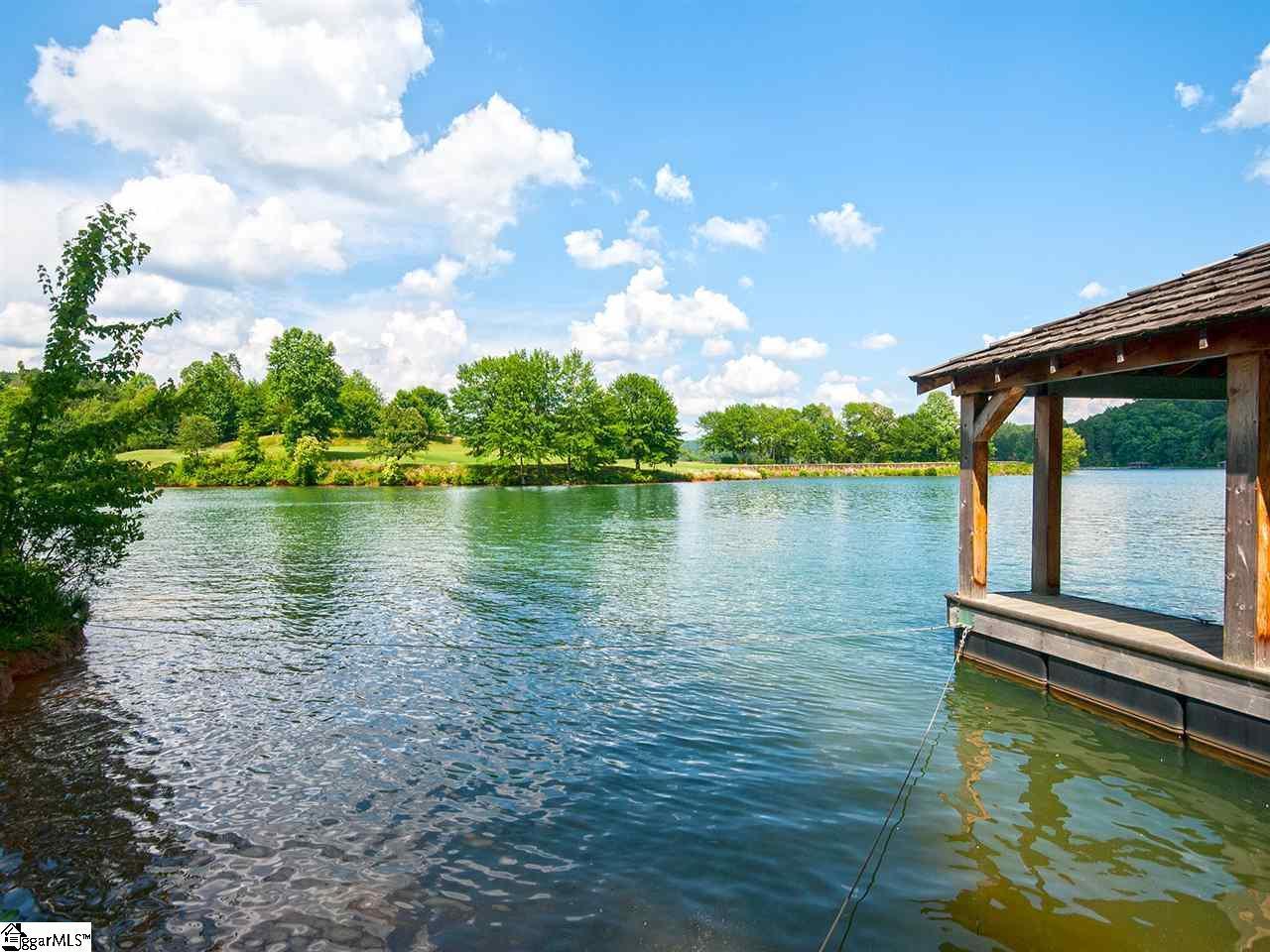 Photo of 126 North Lake Drive